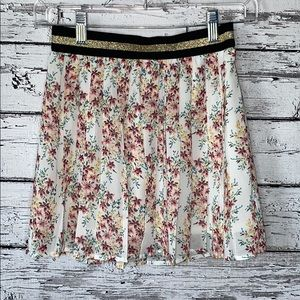 Old Navy Pleated Floral Skirt Size Large (10/12)